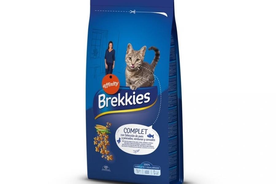 PIENSO PARA GATO BREKKIES CAT COMPLET 15 KG.
